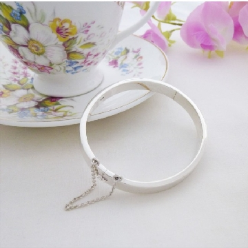 silver oval bangles