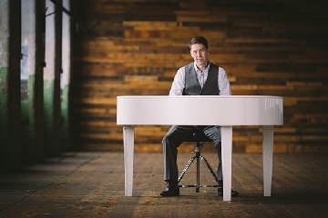 Morgan - Wedding Pianist