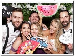 https://smartpicsukeventphotography.com/wedding-photo-booth/ website